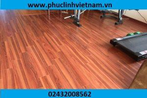 lát sàn gỗ ciêu chịu nước, thi công sàn gỗ giá rẻ